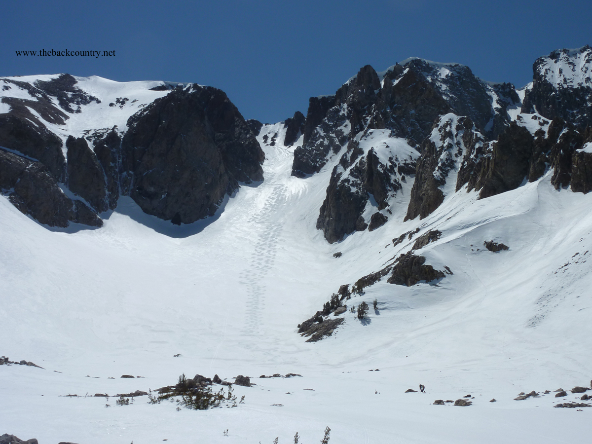 kidney-couloir-backcountry-skiing5